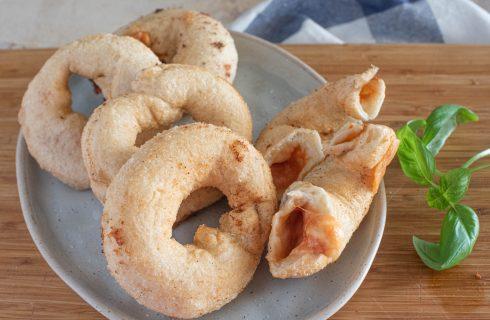 Ciambelle di panzerotti: con pomodoro e mozzarella