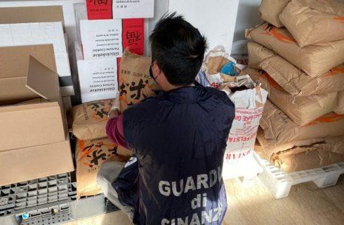 Verona: in un ristorante cinese si schiaccia il cibo con le scarpe