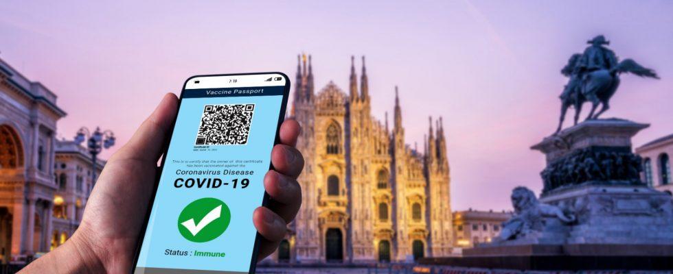 Green Pass obbligatorio per bar e ristoranti: ci sarà anche in Italia?