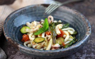 Insalata di mare con verdure: freschissima