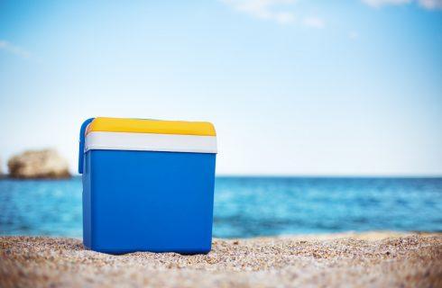 7 modi per tenere in fresco cibi e bevande al mare