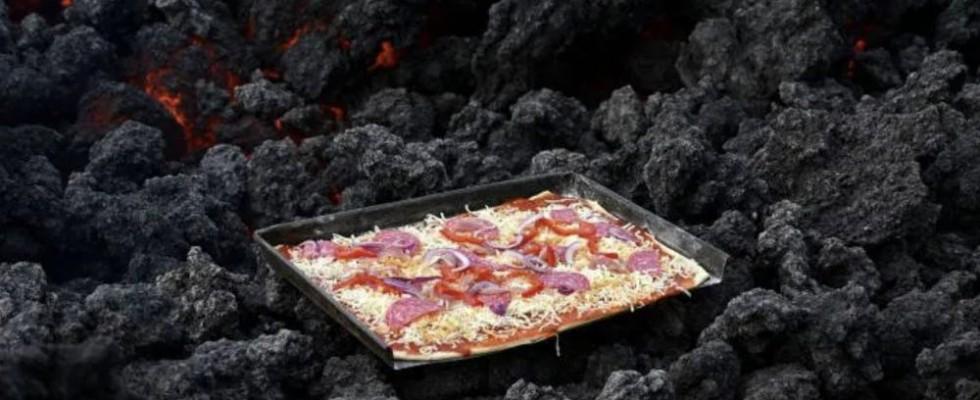 Pizza Pacayà, la pizza cotta sulla lava