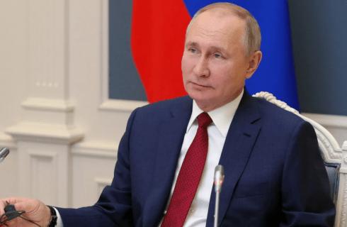 Putin: lo Champagne bevuto in Russia si produce in Russia