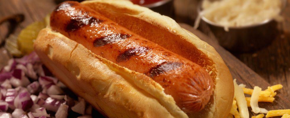 Ecco l'ultima: mangiare un hot dog ti fa perdere 36 minuti di vita