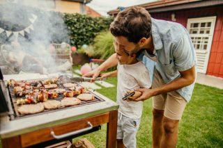 12 cibi che dovresti grigliare oltre a salsicce e hamburger