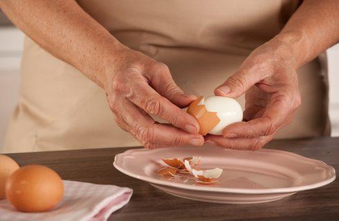 6 modi per sbucciare le uova sode alla perfezione