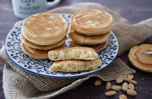 Pancake al burro d'arachidi: colazione gustosa